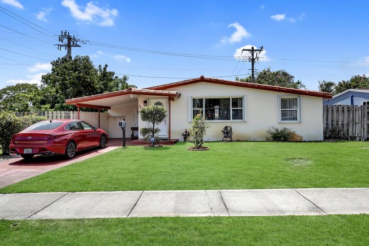 5601 NE 9 Avenue, Oakland Park, FL 33334