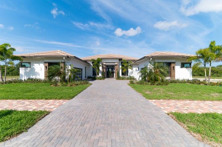 162 SE Strada Tione, Port Saint Lucie, FL 34952