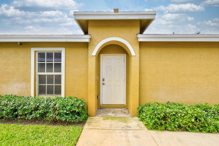 4392 NW 1st Terrace, Deerfield Beach, FL 33064