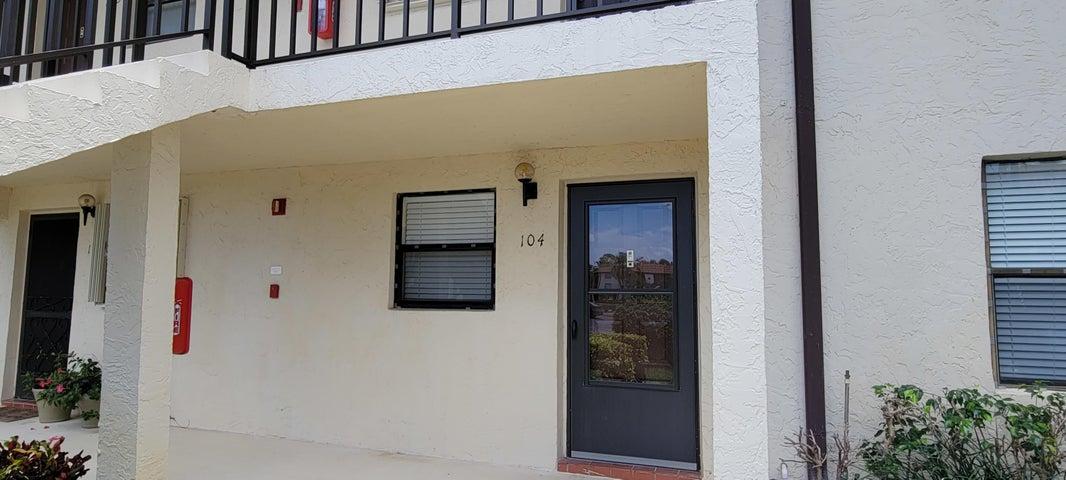 7118 Golf Colony Court, 104, Lake Worth, FL 33467