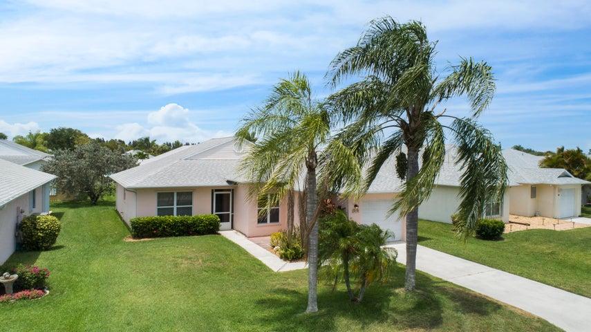 418 Paurotis Lane, Fort Pierce, FL 34982