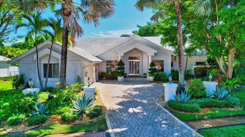 6924 Queenferry Circle, Boca Raton, FL 33496