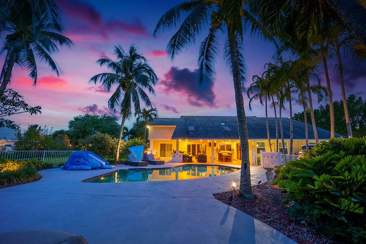 8566 Native Dancer Road, Palm Beach Gardens, FL 33418