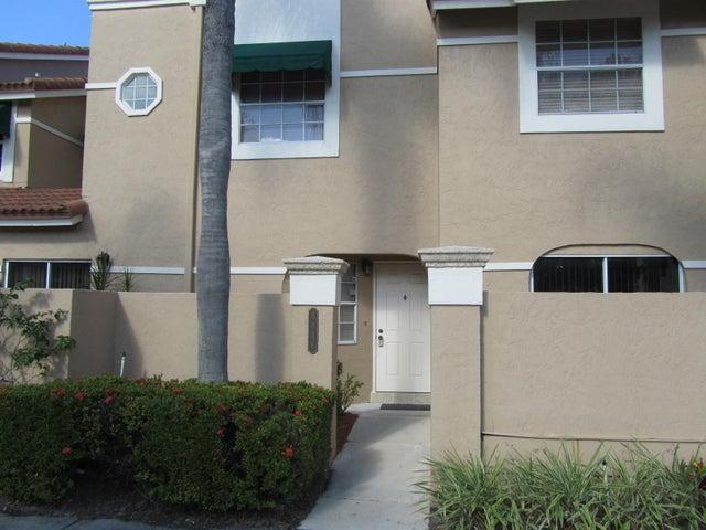 6646 Via Regina, Boca Raton, FL 33433