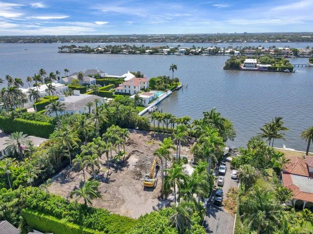 360 El Brillo Way, Palm Beach, FL 33480