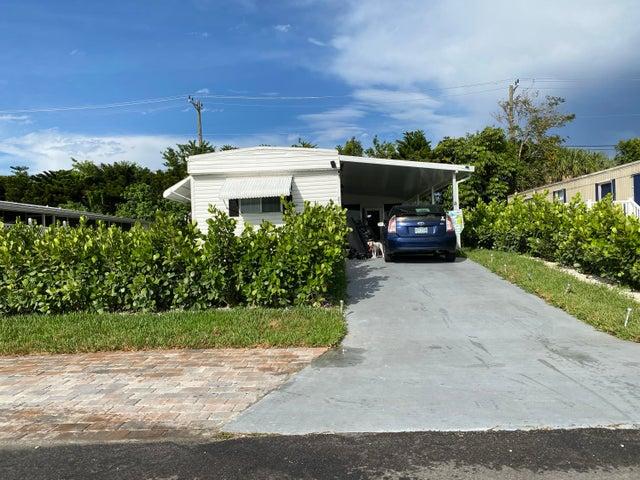 8121 SE Homestead Avenue, Hobe Sound, FL 33455