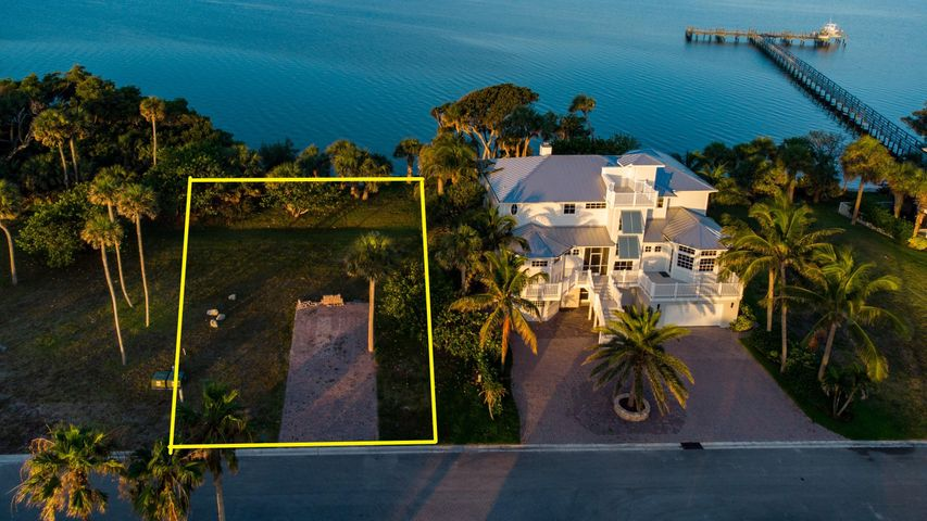 0 Pelican Pointe Drive E, Jensen Beach, FL 34957