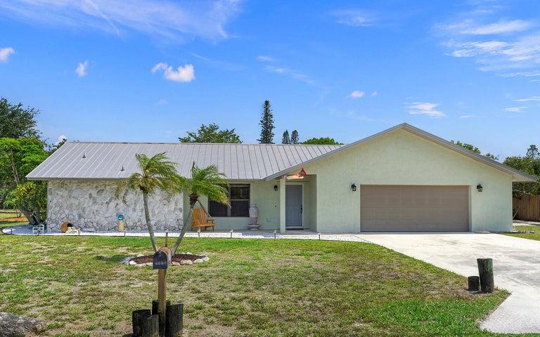 8696 SE Algozzini Place, Hobe Sound, FL 33455