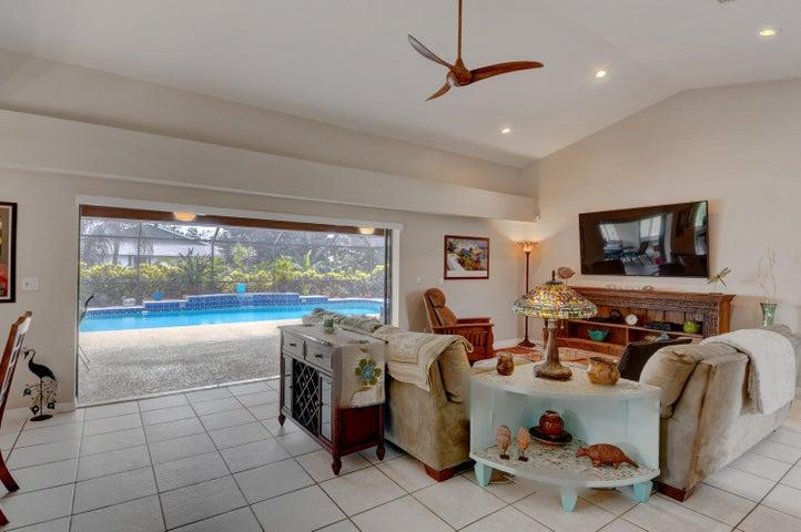 2197 SE Morningside Boulevard, Port Saint Lucie, FL 34952