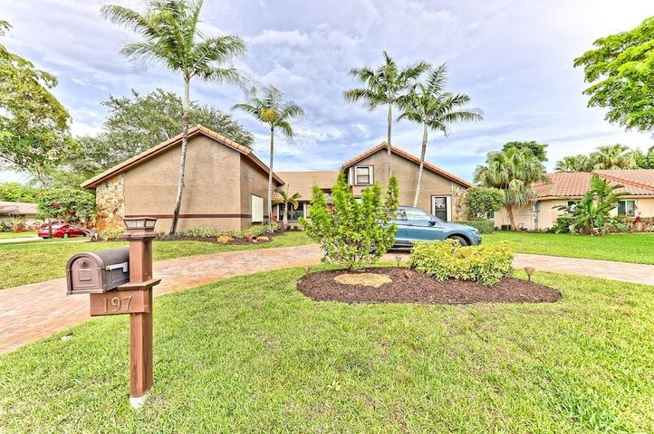 197 NW 104th Avenue, Coral Springs, FL 33071