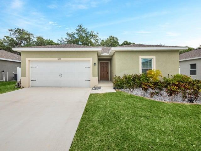 5234 Oakland Lake Circle, Fort Pierce, FL 34951