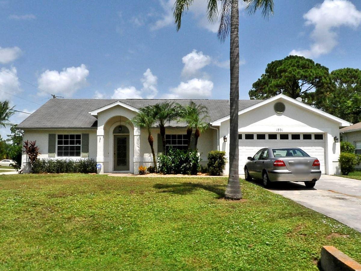 1891 SW Grant Avenue, Port Saint Lucie, FL 34953