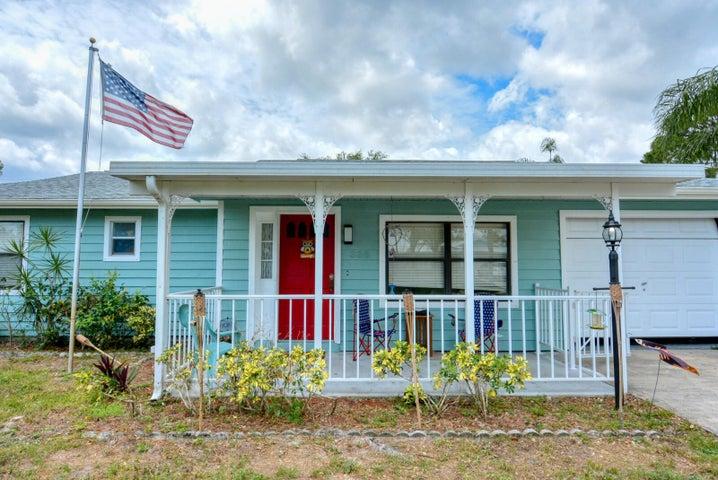 338 NE Greenbrier Avenue, Port Saint Lucie, FL 34983