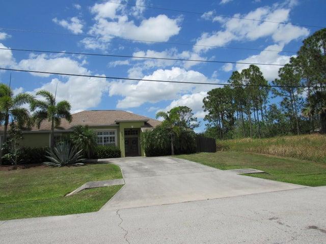 6133 NW East Deville Circle, Port Saint Lucie, FL 34986