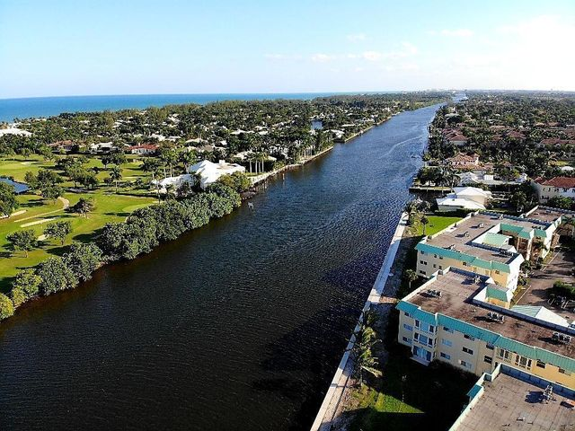 4 Colonial Club Drive, 305, Boynton Beach, FL 33435