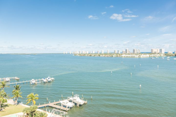 2650 Lake Shore Drive, 1005, Riviera Beach, FL 33404