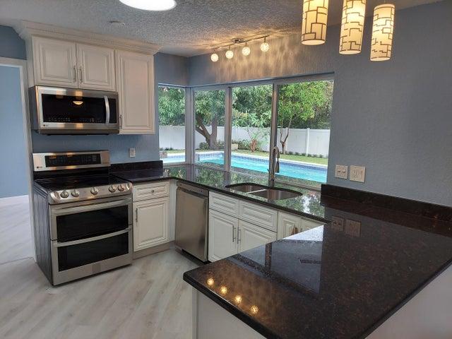 505 Sunset Road, Boynton Beach, FL 33435