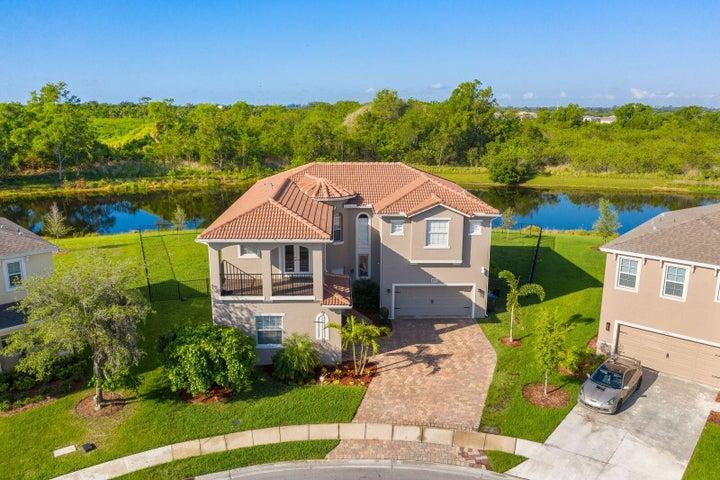 8752 Cobblestone Drive, Fort Pierce, FL 34945