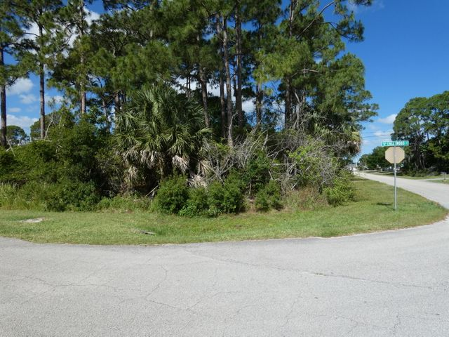 1602 SW Mackey Avenue, Port Saint Lucie, FL 34953
