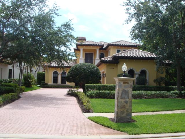 14018 Old Cypress Bend, Palm Beach Gardens, FL 33410