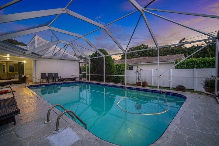 6072 N Ocean Boulevard, Ocean Ridge, FL 33435