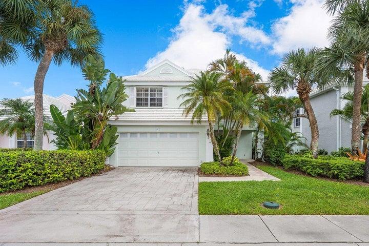 37 Windsor Lane, Palm Beach Gardens, FL 33418