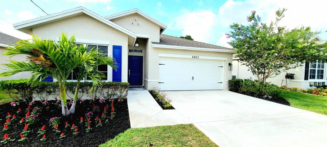 6863 2nd Street, Limestone Creek, FL 33458