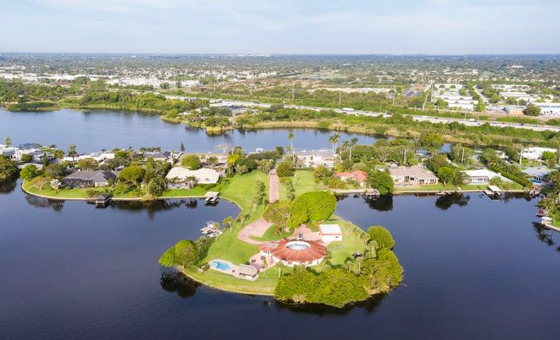 3850 S Lake Drive, Boynton Beach, FL 33435