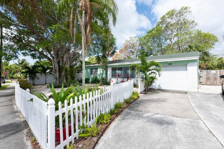 5009 Spruce Avenue, West Palm Beach, FL 33407