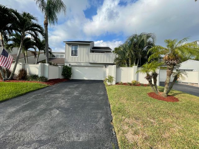 12794 Spinnaker Lane, Wellington, FL 33414