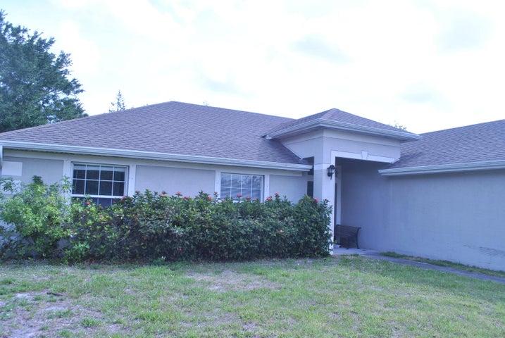 233 SW Kestor Drive, Port Saint Lucie, FL 34953