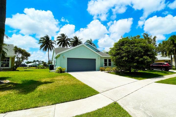 32 Misty Meadow Drive, Boynton Beach, FL 33436