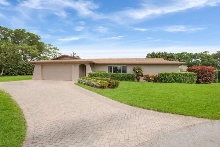 10921 Larch Court, Palm Beach Gardens, FL 33418