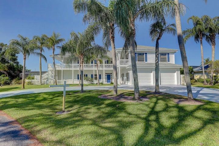 1001 SE Kitching Cove Lane, Port Saint Lucie, FL 34952