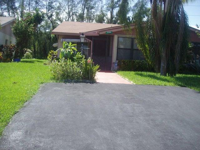 14369 Campanelli Drive, Delray Beach, FL 33484