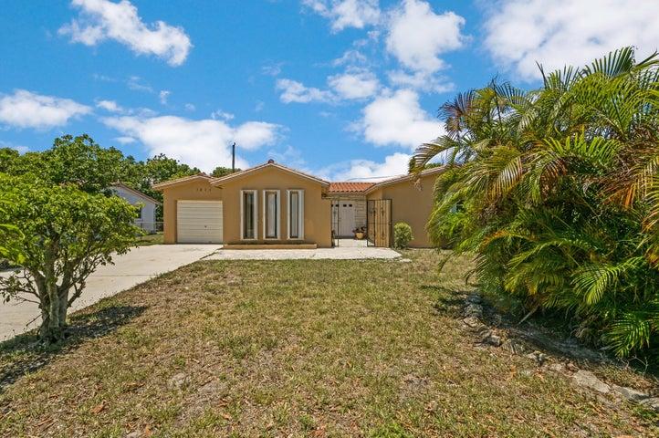 3815 N Shore Drive, West Palm Beach, FL 33407