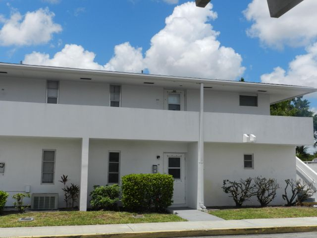 65 E East Court, 65, Royal Palm Beach, FL 33411