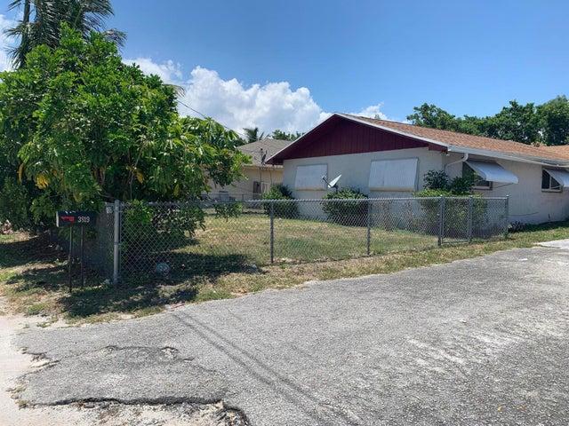 3819 93rd Lane, West Palm Beach, FL 33403