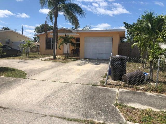 712 Hillcrest Boulevard, West Palm Beach, FL 33405