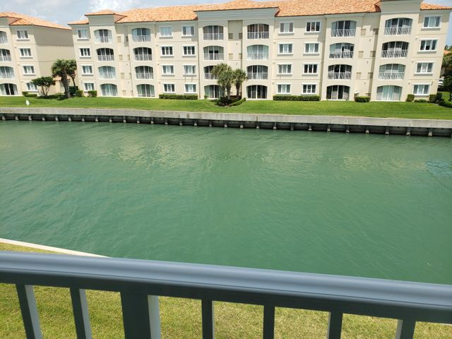 19 Harbour Isle Drive W, 306, Fort Pierce, FL 34949