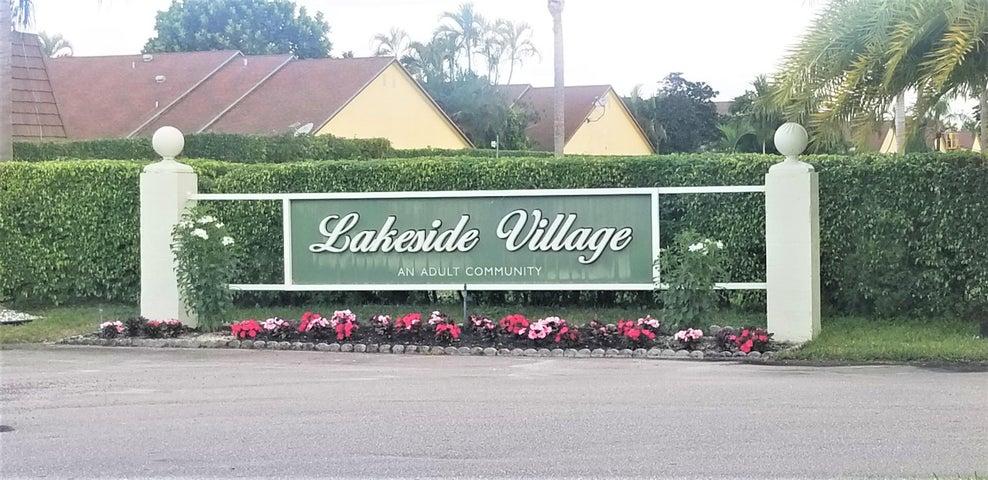 729 Lori Drive, 104, Palm Springs, FL 33461