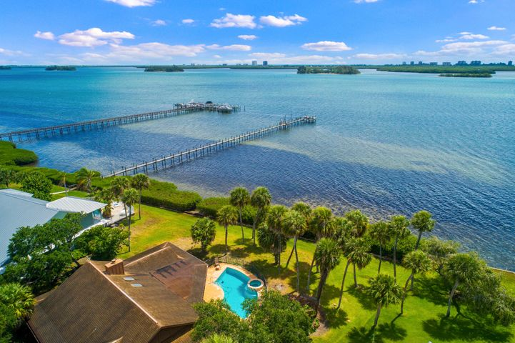 3712 Outrigger Drive, Fort Pierce, FL 34946