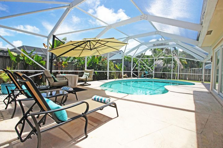 All-day salty Intracoastal and Ocean breezes in your backyard paradise