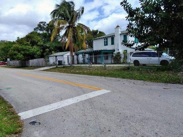 117 SW 4th Street, Delray Beach, FL 33444