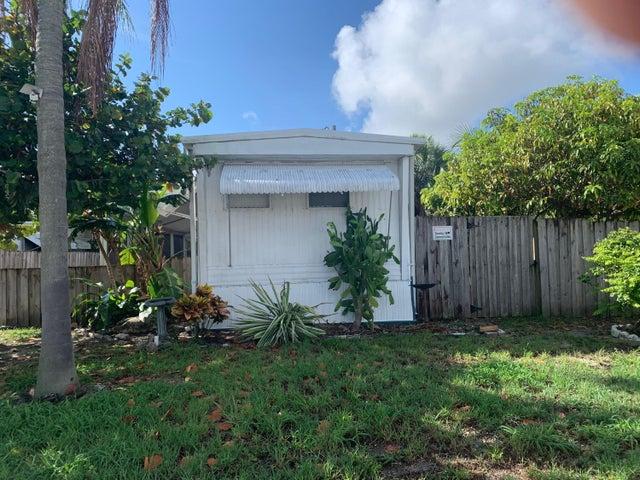 2960 Plumosa Lane N, West Palm Beach, FL 33403