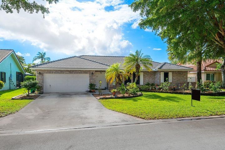 5147 NW 59th Way, Coral Springs, FL 33067