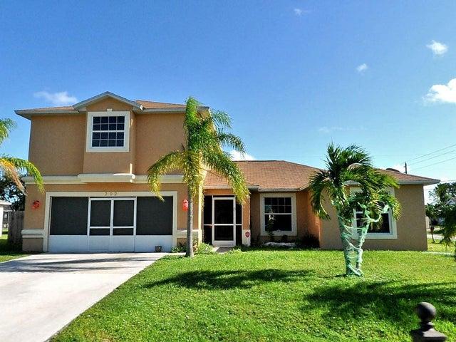202 SE Volkerts Terrace, Port Saint Lucie, FL 34953