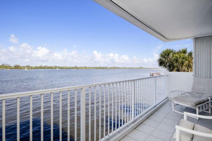 2860 S Ocean Boulevard, 206, Palm Beach, FL 33480