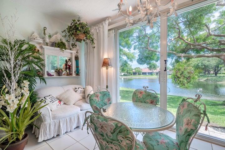2650 Crabapple Circle, Boynton Beach, FL 33436