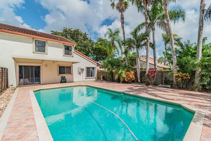 21621 Casa Monte Court, Boca Raton, FL 33433